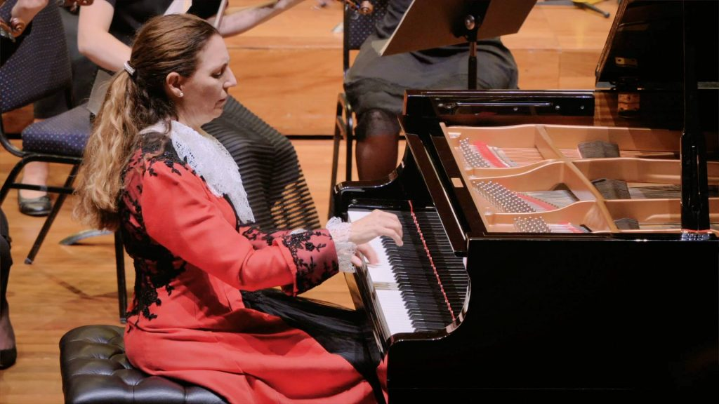 Elyane Laussade will be performing the Beethoven Emperor Concerto No. 5 in Hobart this coming April.